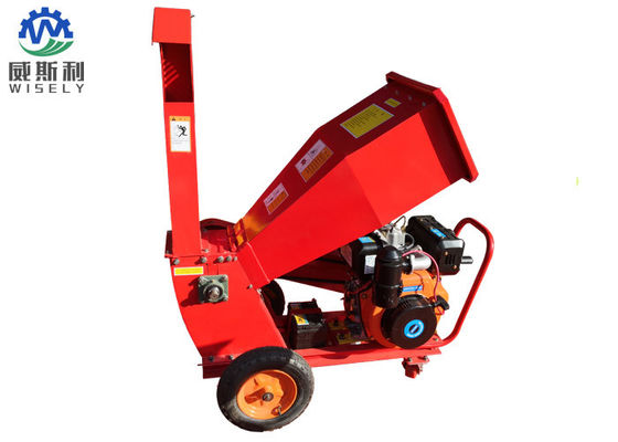 Automatic Mobile Wood Chipper Machine With 6.5L Fuel Tank Capacity